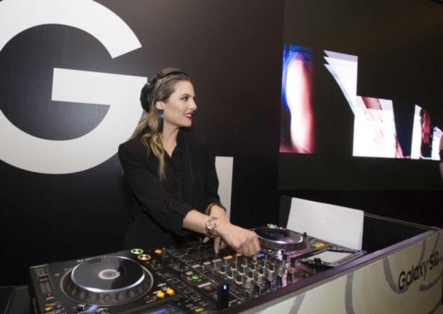 Η DJ Xenia Ghali διασκέδασε τους προσκεκλημένους με τις μουσικές της επιλογές