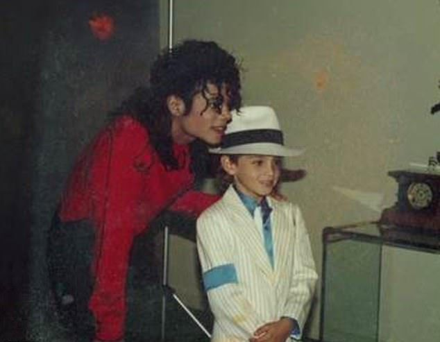 Ο Μάικλ Τζάκσον με τον Γουέντι Ρόμπσον σε νεαρή ηλικία