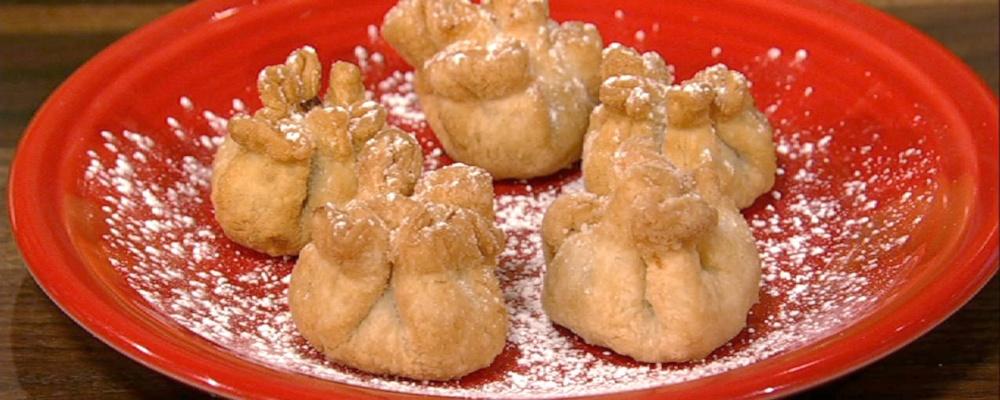 duff-goldmans-deep-fried-pumpkin-pouches_recipe_1000x400_1417819950803