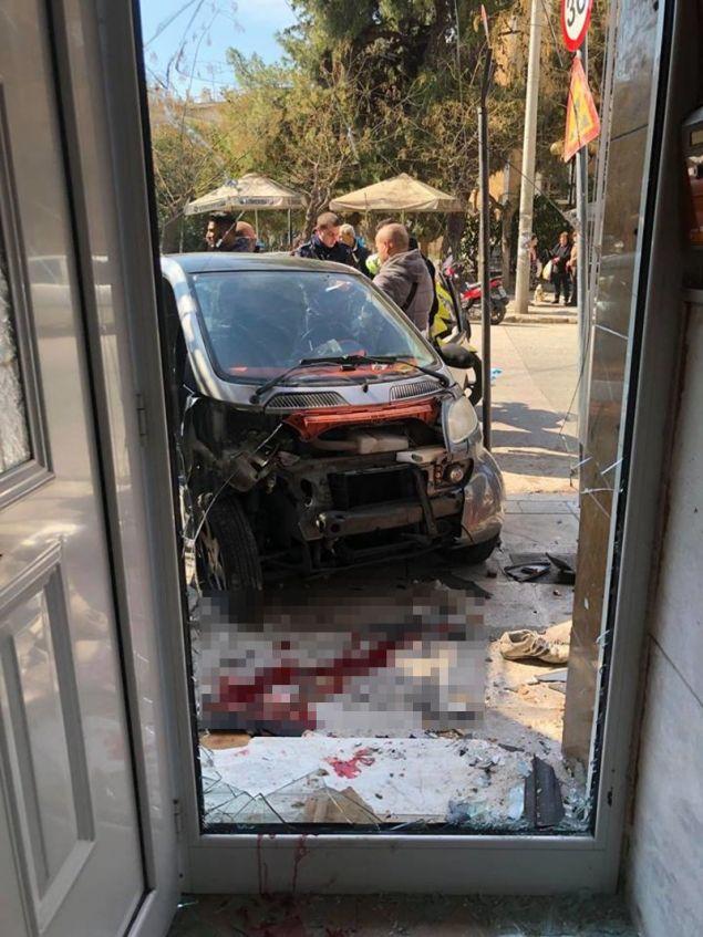 Εσπασαν τζάμια μετά την εισβολή του αυτοκινήτου
