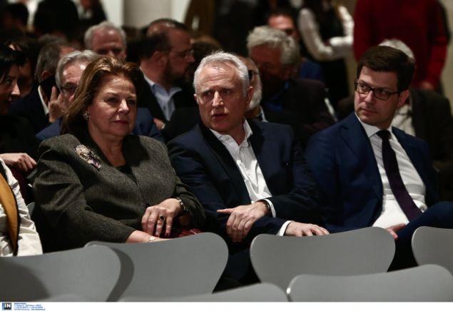 Από αριστερά: Λούκα Κατσέλη, Γιάννης Ραγκοης, Αγγ. Τόλκας -Στην εκδήλωση στο ΚΠΙΣΝ με ομιλητή τον Εβο Μοράλες -Φωτογραφία: Intimenews/ΤΖΑΜΑΡΟΣ ΠΑΝΑΓΙΩΤΗΣ
