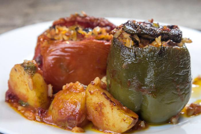 ντοματες-και-πιπεριές-γεμιστες_20140830_1057