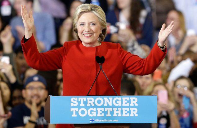 Η Σάρα Λάθαμ υπήρξε σύμβουλος της Χίλαρι Κλίντον κατά την διάρκεια της προεκλογικής της εκστρατείας