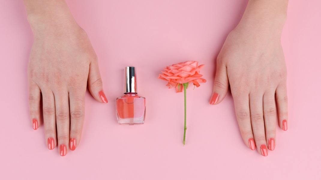 Κοραλί νύχια/Shutterstock