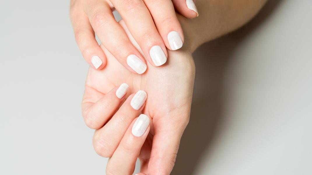 Περλέ λευκά νύχια/Shutterstock