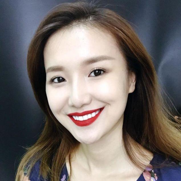 Η Κινέζα μπλόγκερ και μακιγιέρ Χε Γιουχόνγκ