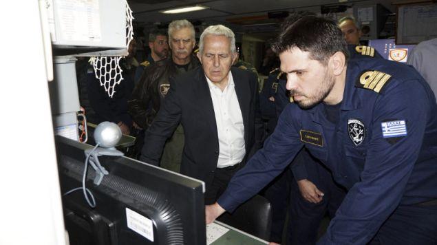 Ο υπουργός Αμυνας παρακολουθεί την άσκηση από την φρεγάτα Ψαρά- φωτογραφία intimenews