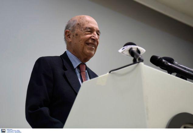 Ο Κ. Σημίτης μιλά στην εκδήλωση του Δικτύου Σύγχρονων Δημοκρατών -Φωτογραφία: Intimenews/ΠΑΠΑΝΙΚΟΣ ΓΙΑΝΝΗΣ