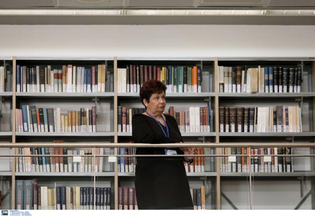 Τα βιβλία είναι ταξινομημένα σε ενιαίες θεματικές ενότητες, γεγονός που καθιστά τη Βιβλιοθήκη εύχρηστη, τόσο για τους φοιτητές στην εκπαίδευση των οποίων η λειτουργία της προσδοκάται ότι θα συμβάλει τα μέγιστα, όσο και για τους ερευνητές