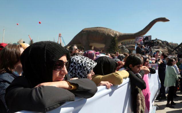 Υποστηρικτές του Ερντογάν στα εγκαίνια του πάρκου