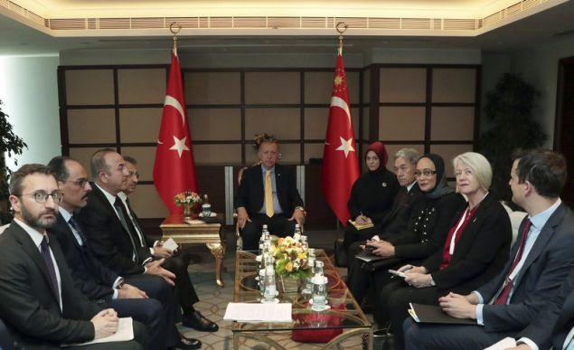 ο Ρετζέπ Ταγίπ Ερντογάν στη σύνοδο του Οργανισμού Ισλαμικής Συνεργασίας στην Κωνσταντινούπολη