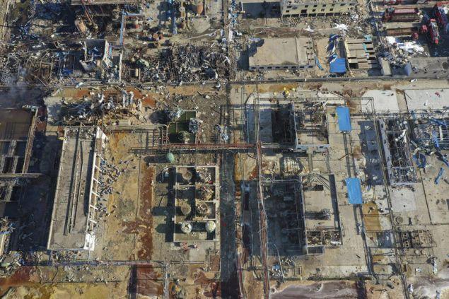 Βομβαρδισμένο τοπίο θυμίζει το εργοστάσιο μετά την φονική έκρηξη (Φωτογραφία: ΑΡ)
