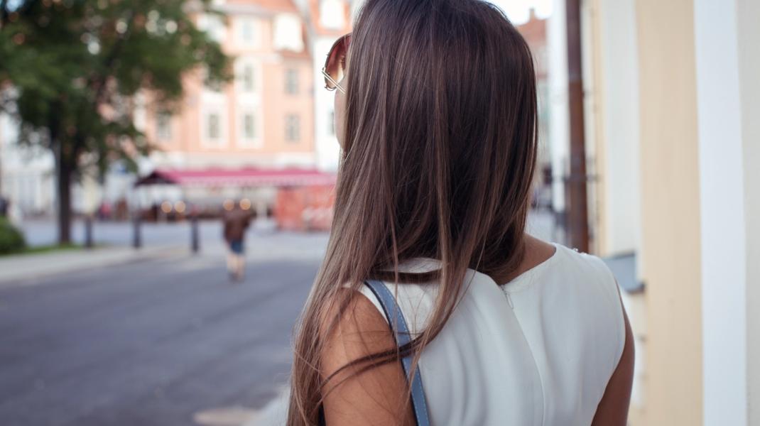 Ίσια μαλλιά/Shutterstock