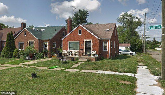 Το σπίτι του 50χρονου που αυτοπυροβολήθηκε στην προσπάθεια του να σκοτώσει μία κατσαρίδα.