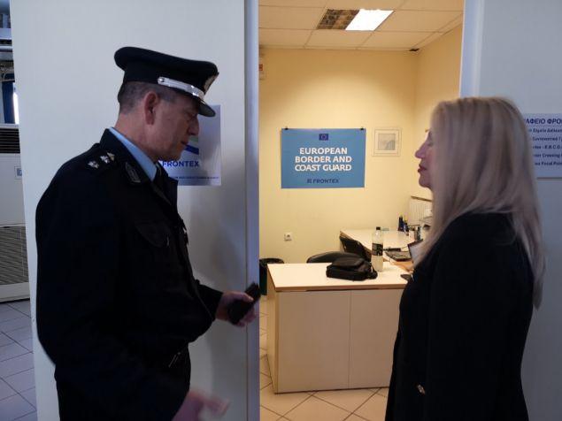 Η Φώφη Γεννηματά στο γραφείο της Frontex στον Εβρο