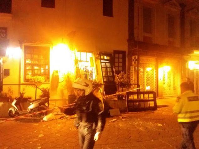 Στις φλόγες το εστιατόριο «Κάστρο»