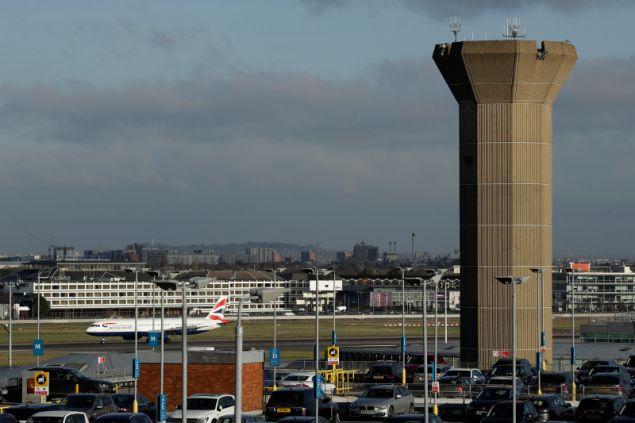 Το αεροδρόμιο του Χίθροου είναι το πιο πολυσύχναστο στον κόσμο και βρίσκεται πολύ κοντά στο νέο σπιτικό του πρίγκιπα Χάρι και της Μέγκαν Μαρκλ