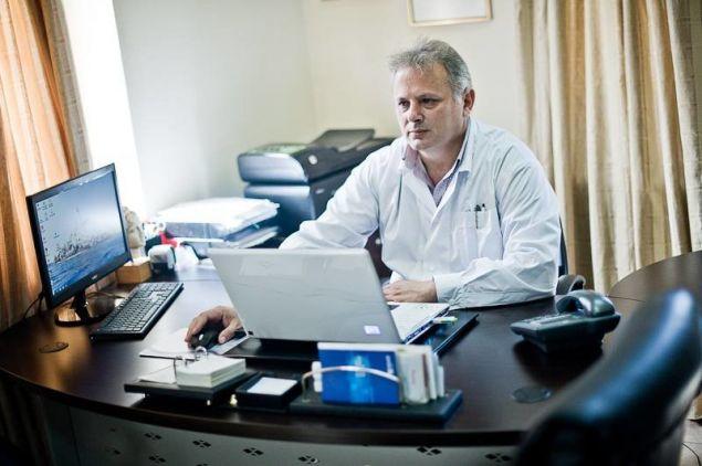 Ο Δρ. Ανάργυρος Μαριόλης