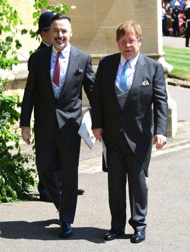 Ο Έλτον Τζον με τον σύζυγό του ήταν καλεσμένοι στον γάμο του πρίγκιπα Χάρι και της Μέγκαν Μαρκλ