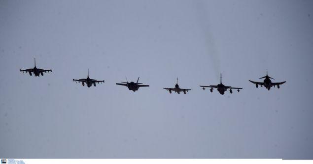 Αψογη ευθυγράμμιση και ακρίβεια στα πολεμικά μαχητικά -Φωτογραφία: Intimenews/ΚΑΠΑΝΤΑΗΣ ΔΗΜΗΤΡΗΣ