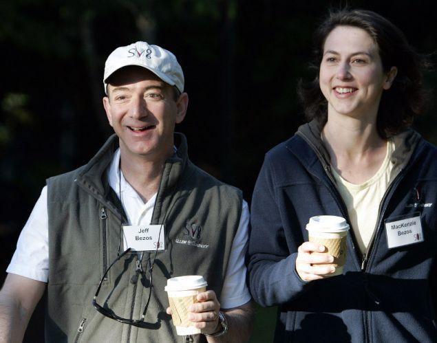 Το ζευγάρι ανακοίνωσε μέρος του διακανονισμού του διαζυγίου τους αναφορικά με το μοίρασμα των μετοχών της Amazon και της Blue Origin