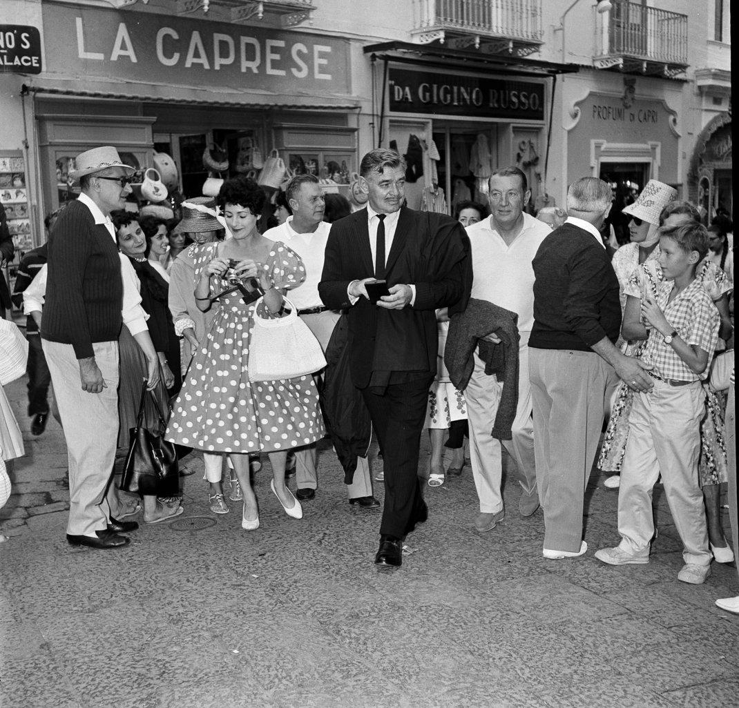 Ο Κλαρκ Γκέιμπλ στους δρόμους του δημοφιλούς θέρετρου / Φωτογραφία: AP