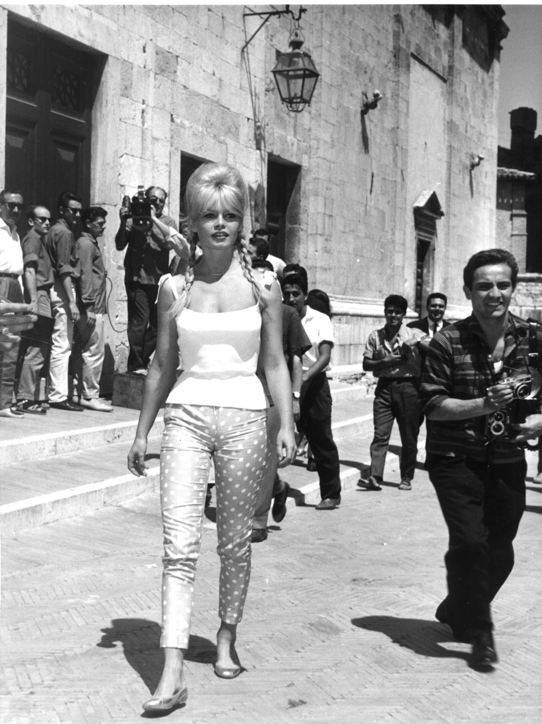 H Μπριζίτ Μπαρντό στο Κάπρι. 1961 / Φωτογραφία: AP