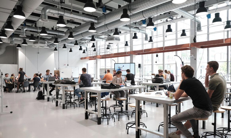 Στο εσωτερικό του Ιδρύματος Brainport του Τεχνολογικού Πανεπιστημίου του Αϊντχόβεν