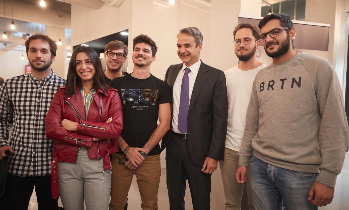 Ο πρωθυπουργός συνάντηση Ελληνες φοιτητές κατά την παρουσία του στο Ιδρυμα Brainpor