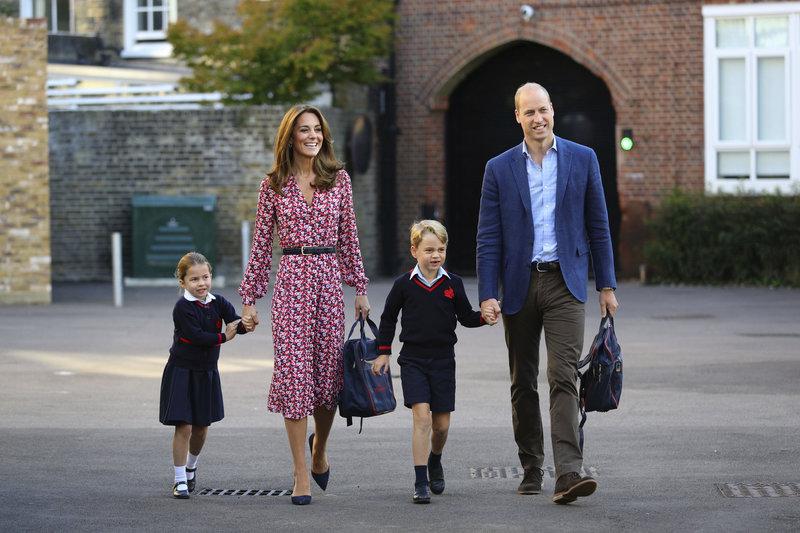 Κέιτ Μίντλετον πρίγκιπας Γουίλιαμ πριγκιπας Τζορτζ πριγκίπισσα Σάρλοτ πρώτη ημέρα στο σχολείο 2019