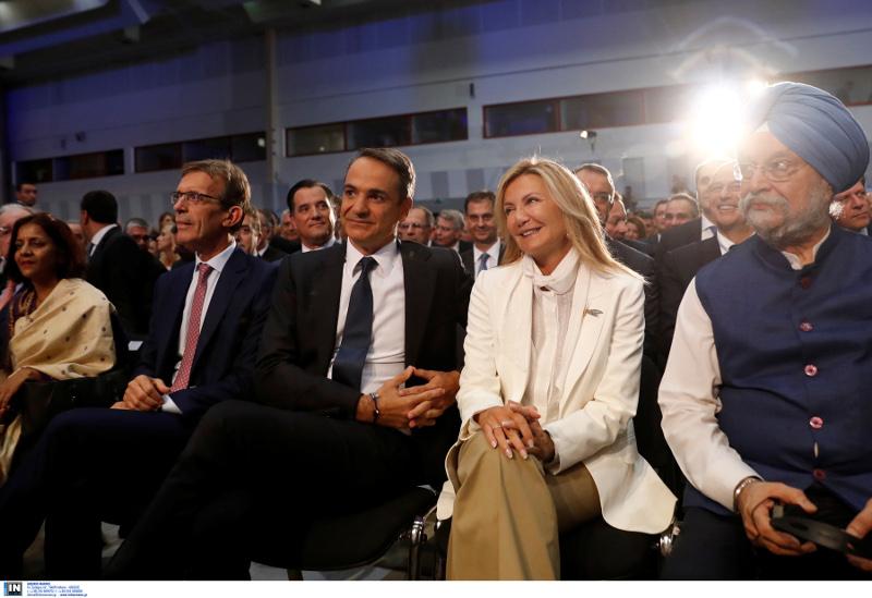 Η Μαρέβα παρευρέθηκε στην ομιλία του πρωθυπουργού και τράβηξε πάνω της όλα τα βλέμματα / Φωτογραφία: INTIME NEWS